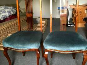 Freecycle 2 vintage dining chairs