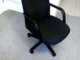 Freecycle Desk chair - comfortable height adjustable computer chair