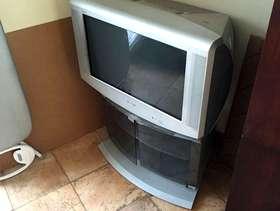 Freecycle Sony trinitron widescreen tube TV