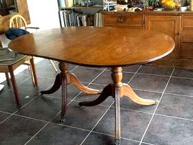 Freecycle Traditional dining table