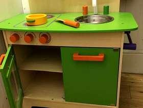 Freecycle Little gender neutral wooden kitchen