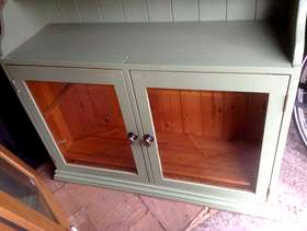 Freecycle Kitchen cupboards and doors