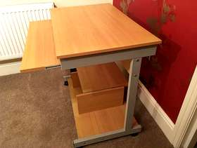 Freecycle Compact computer desk