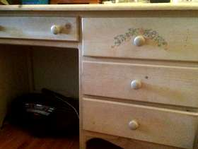 Freecycle Girl's twin bed and matching desk