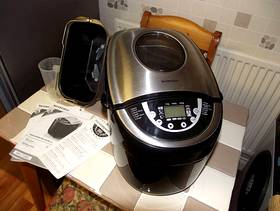 Freecycle Double Blade Breadmaker
