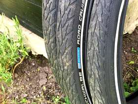 Freecycle 4 x schwalbe road cruiser tyres 26-1.75 plus 6 inner ...