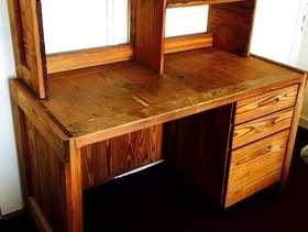 Freecycle Sturdy wooden desk with shelf