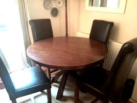Freecycle Table and 4 chairs