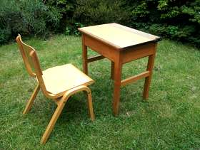 Freecycle Child's desk and chair