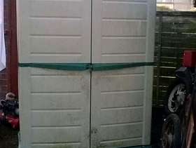 Freecycle Plastic garden tool shed