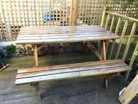 Freecycle Wooden picnic bench