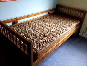 Freecycle Single bed and mattress