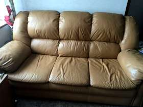 Freecycle 3 seater leather sofa & recliner chair