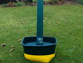Freecycle Lawn seed/fertiliser/moss killer spreader