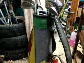Freecycle Childs golf clubs and bag - Haslemere