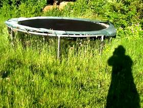 Freecycle Trampoline frame 10 ft