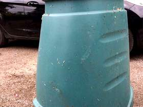 Freecycle Large plastic composter - Haslemere