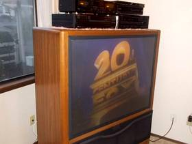 """Freecycle 50 """" Projection TV - Works GREAT! Free to haul ..."""