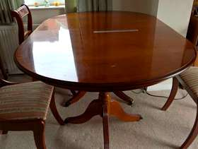 Freecycle Dining table and 6 chairs - free to good home!