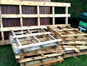 Freecycle 12 small pallets 1 large