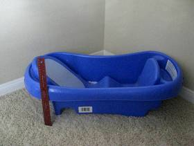 Freecycle Newborn bathtub