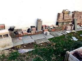 Freecycle Assortment of Bricks & Block
