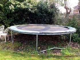 Freecycle 14ft trampoline