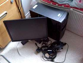 """Freecycle Dell Vostro 200- Computer with Linux Ubuntu OS/Flat Scree 19"""""""