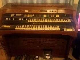Freecycle Hammond organ