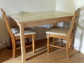 Freecycle Dining table with 2 chairs