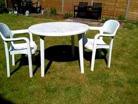 Freecycle Garden table and chairs