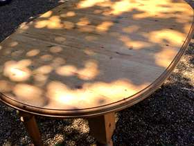 Freecycle Pine wooden table and 6 chairs