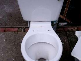 Freecycle Toilet with tank water