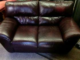 Freecycle 2 Seater brown leather settee