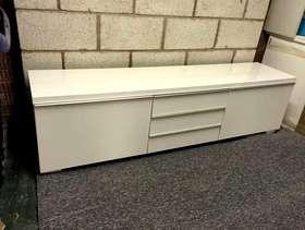 Freecycle Ikea White TV unit