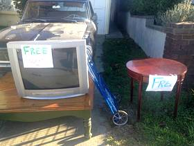 Freecycle Vintage tv