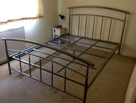 "Freecycle Double Bed Frame 4""6x6"""