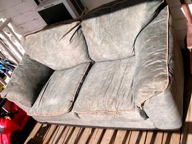 Freecycle FREE love seat good condition in Warren PA! First to ...