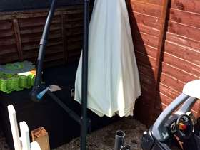 Freecycle BRAND NEW 3m Steel Banana Parasol (Natural Colour)