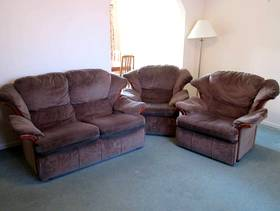Freecycle Good sofa and armchairs
