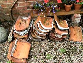 Freecycle Small quantity victorian red clay pantiles