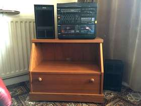 Freecycle TV stand and stereo