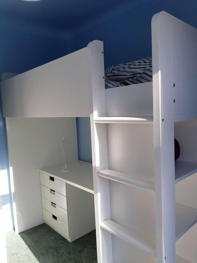 FreelyWheely: Ikea cabin bed