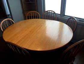 Freecycle Kitchen table and 6 chairs