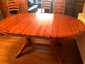 Freecycle Table and 6 chairs