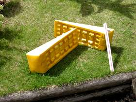 Freecycle Pair of Fiamma Plastic Levelling Ramps