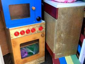Freecycle Child's kitchen.