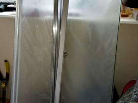 Freecycle Curved glass shower screen - Bathstore Liberty Range - new
