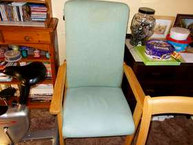 Freecycle 3 Chairs only 3 left