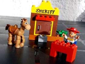 Freecycle Lego Duplo Toy Story Jessies Roundup